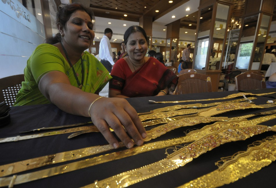 Indian housewives own a surprising amount of gold