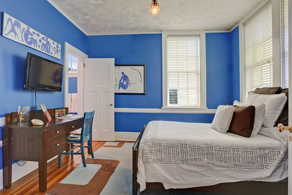 That Guest Room, Tho